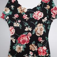 shirt met bloemenpatroon en schelpenhals M - l