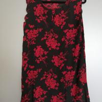 zomerjurk zwart met rode bloemen L / XL
