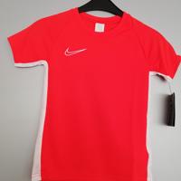 nike shirt rood wit 122/128