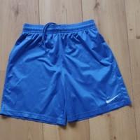 Nike sportbroek maat 147-158