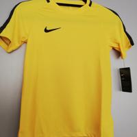 nike shirt geel zwart 122/128