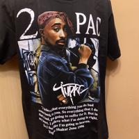 Tupac tshirt -model 2