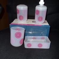 4-delige  badkamerset tandenborstelhouder , zeep , beker