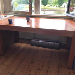 Grote houten eettafel/bureau