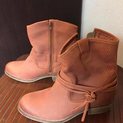 2 paar laarzen 1 pr sneakers