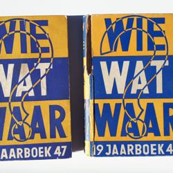 32 boeken WIE WAT WAAR 1947 - 1984