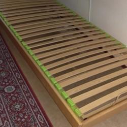 elektrisch verstelbaar eenpersoons bed (90x200), lage poten