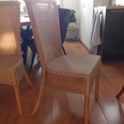 4 Eetkamer stoelen