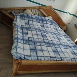 romantisch slapen bamboe waterbed en ontspannen wakker .