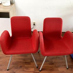 2 eettafel stoelen, rood