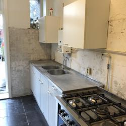 Keukenblok met 2 bovenkastjes