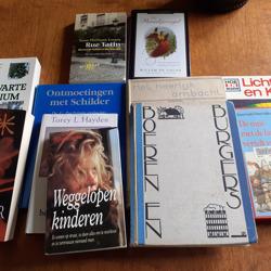 Tas met zeer diverse boeken