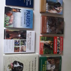 Honden, paarden en katten Encyclopedie + glas in lood boek