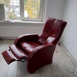 Grote rode leren stoel met luie stand