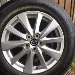 Zomerbanden met velgen komen van Mazda CX5