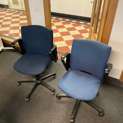 Bureaustoel blauw met wielen