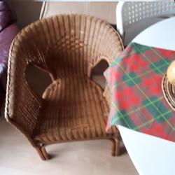 2 Draai stoelen en 2 rieten  stoelen