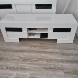 Te koop tv meubel hoogglans