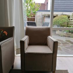 Koopje: 2 Mooie lekker zittende lichte kleur bruin fauteuils