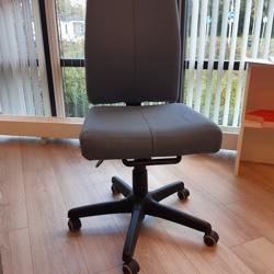 Lichtblauwe bureaustoel