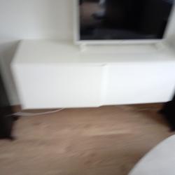 BESTA TV MEUBEL 1.20x42x38 + glazen afdekplaat