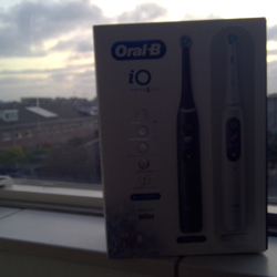 Oral-B iO Series 8 duo