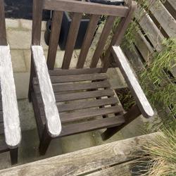 2 Hardhouten tuin stoelen