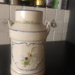 Vershoud potten en melkkan