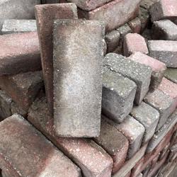 Stenen gratis af te halen