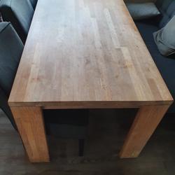Ruime houten eettafel 180x90cm