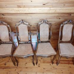 antieke stoelen met gevlochten rieten zit en rug