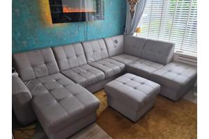 U lounge bank