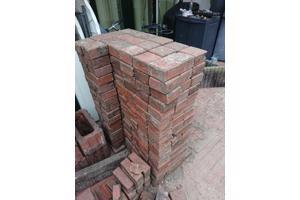 Rode stenen (betonklinkers?) gratis
