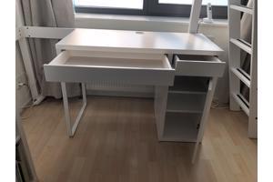 Wit Micke bureau Ikea