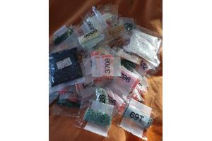 Diamondpainting steentjes 100 zakjes 8 euro ex verzendkosten