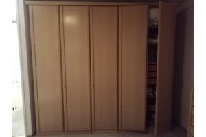 5 deur linnenkast en 7 ladenkast