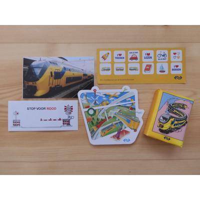 Spulletjes van NS (kaarten, stickers en pakje tissues)