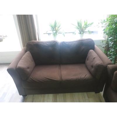 Nog redelijke 2 zit  met bij passende stoel bruin