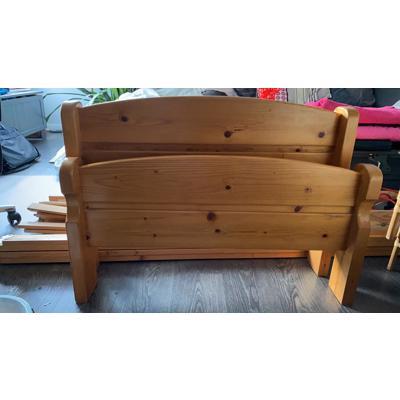 Houten 1-persoons bed incl. matras
