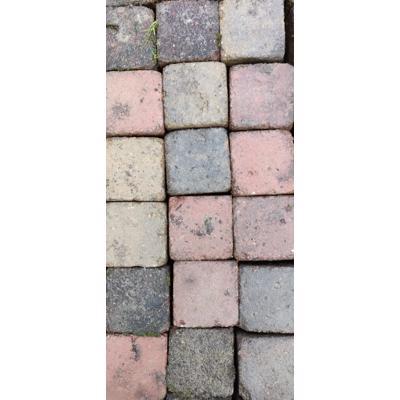 Leuk gekleurde vierkante klinkers en meer! Rood, geel, grijs terrastegels