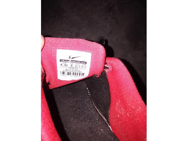 Nike schoenen mt 25,5