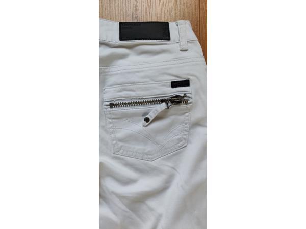 Stoere witte broek van only maat XS