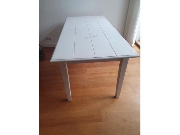 Gebruikte witte eettafel 180 bij 90 cm