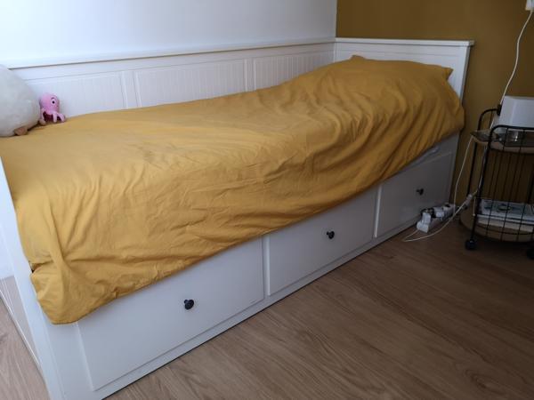 Hemnes bedbank IKEA incl. 2 matrassen