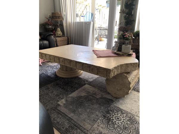 Romeinse stenen meubel