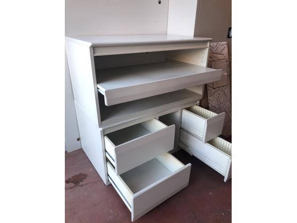 Tv meubel en bijbehorend laag kastje