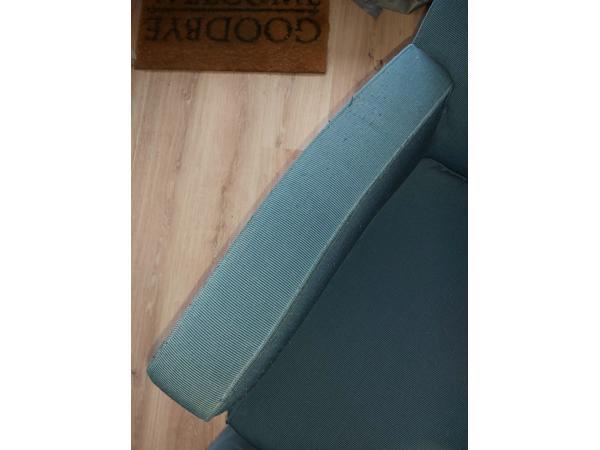 Twee heerlijke goede blauwe stoelen