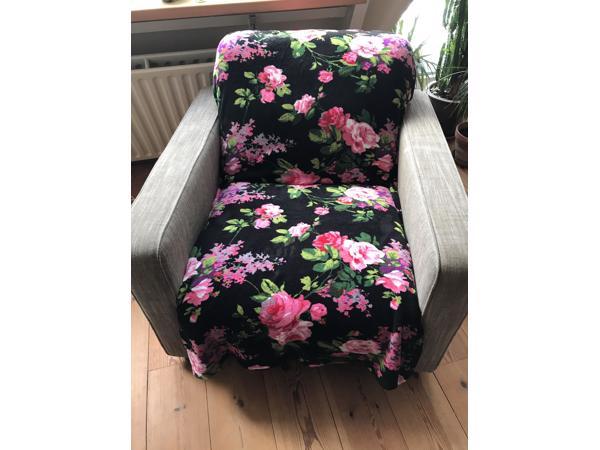 Twee grote stoelen / fauteuils