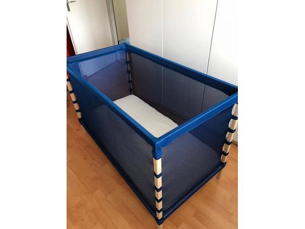 o.a. Ikea draagbaar lichtgewicht blauw bed